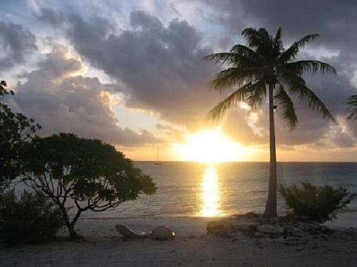 maitai-fakarava-gorgeous-sunset-over