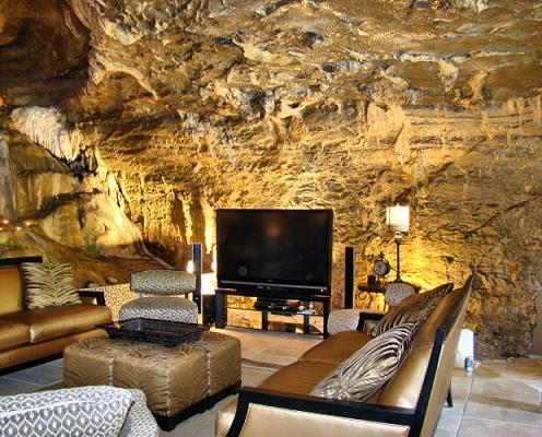 beckham-cave_1252142i