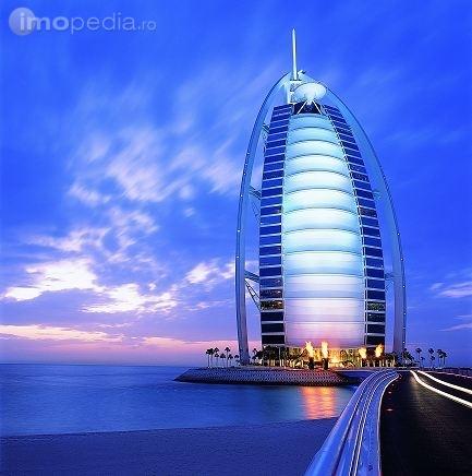 thumb_433_x_436_5027-hotel